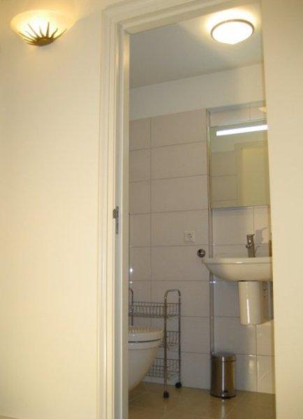 B b kamer 3 van bed breakfast de derde ronde wemeldinge zeeland zuid beveland - Kamer met douche in de kamer ...